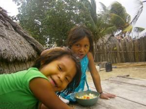 Niños Kunas en San Blas